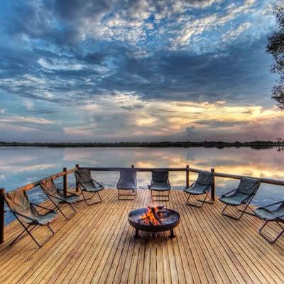 Xugana Island Lodge Bon Fire Deck